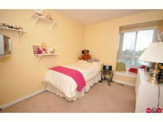 """Photo 6: 60 16388 85TH Avenue in Surrey: Fleetwood Tynehead Townhouse for sale in """"CAMELOT VILLAGE"""" : MLS®# F2922687"""