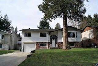 Photo 1: 5817 ANGUS Place in Surrey: Cloverdale BC House for sale (Cloverdale)  : MLS®# R2544606