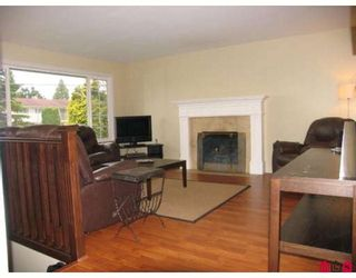 Photo 2: 15721 RUSSELL Avenue in White_Rock: White Rock House for sale (South Surrey White Rock)  : MLS®# F2908308