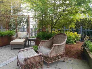 """Photo 3: 1973 W 33RD Avenue in Vancouver: Quilchena Townhouse for sale in """"MacLure Walk"""" (Vancouver West)  : MLS®# R2338091"""