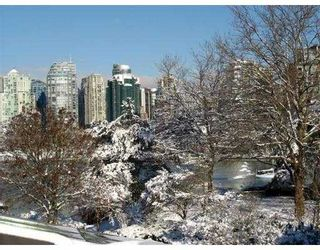 """Photo 10: 850 GREENCHAIN BB in Vancouver: False Creek Townhouse for sale in """"HEATHER POINT"""" (Vancouver West)  : MLS®# V622710"""