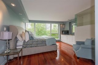 "Photo 17: 960 COOPERAGE Way in Vancouver: Yaletown Townhouse for sale in ""Coopers Point"" (Vancouver West)  : MLS®# R2376080"
