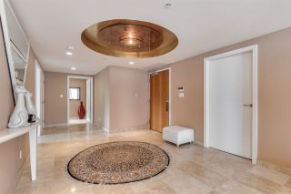 """Photo 2: 2101 1233 W CORDOVA Street in Vancouver: Coal Harbour Condo for sale in """"CARINA"""" (Vancouver West)  : MLS®# R2523119"""