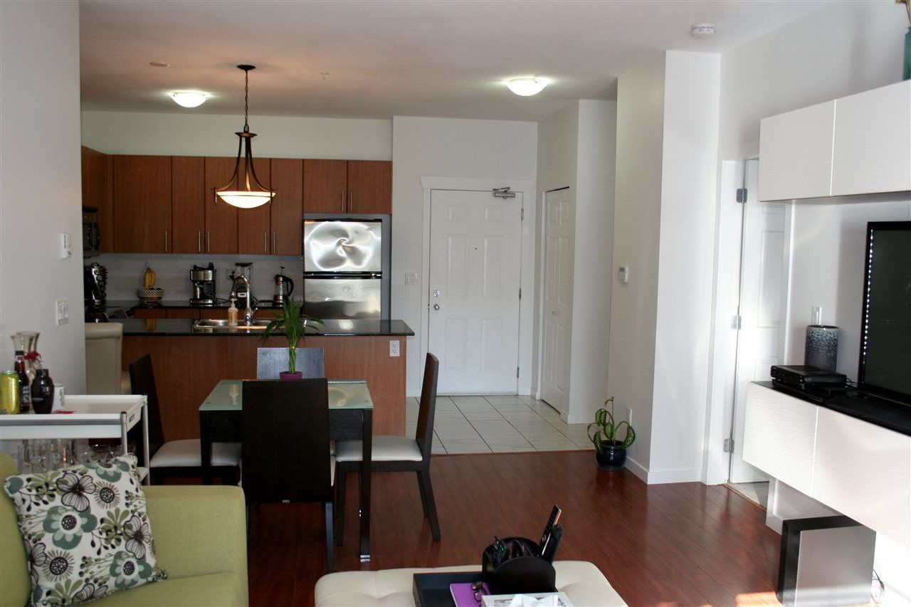 Photo 8: Photos: 106 2488 KELLY Avenue in Port Coquitlam: Central Pt Coquitlam Condo for sale : MLS®# R2216914