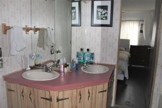 """Photo 10: 77 145 KING EDWARD Street in Coquitlam: Maillardville Manufactured Home for sale in """"MILL CREEK VILLAGE"""" : MLS®# R2429842"""