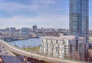 """Photo 18: 1210 68 SMITHE Street in Vancouver: Downtown VW Condo for sale in """"ONE Pacific"""" (Vancouver West)  : MLS®# R2405438"""
