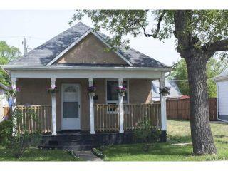 Photo 1: 281 Ferry Road in WINNIPEG: St James Residential for sale (West Winnipeg)  : MLS®# 1514020