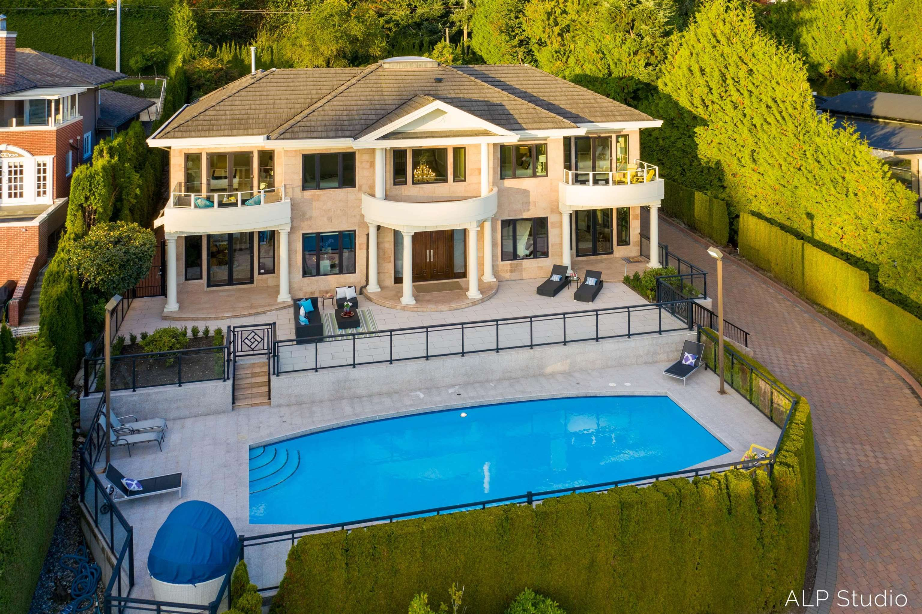 """Main Photo: 735 EYREMOUNT Drive in West Vancouver: British Properties House for sale in """"BRITISH PROPERTY"""" : MLS®# R2619375"""