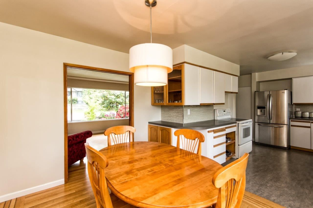 """Photo 9: Photos: 915 E 13TH Street in North Vancouver: Boulevard House for sale in """"Grand Boulevard"""" : MLS®# R2535688"""