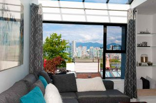 Photo 2: 8 1040 W 7TH Avenue in Vancouver: Fairview VW Townhouse for sale (Vancouver West)  : MLS®# R2401191