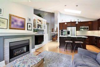 "Photo 4: 34 17917 68 Avenue in Surrey: Cloverdale BC Townhouse for sale in ""Weybridge"" (Cloverdale)  : MLS®# R2577897"