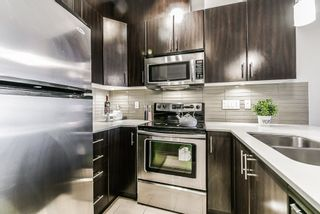 """Photo 12: 405 7777 ROYAL OAK Avenue in Burnaby: South Slope Condo for sale in """"THE SEVENS"""" (Burnaby South)  : MLS®# R2347654"""