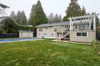 Photo 3: 1158 ENGLISH Bluff in TSAWWASSEN: Home for sale : MLS®# R2335421