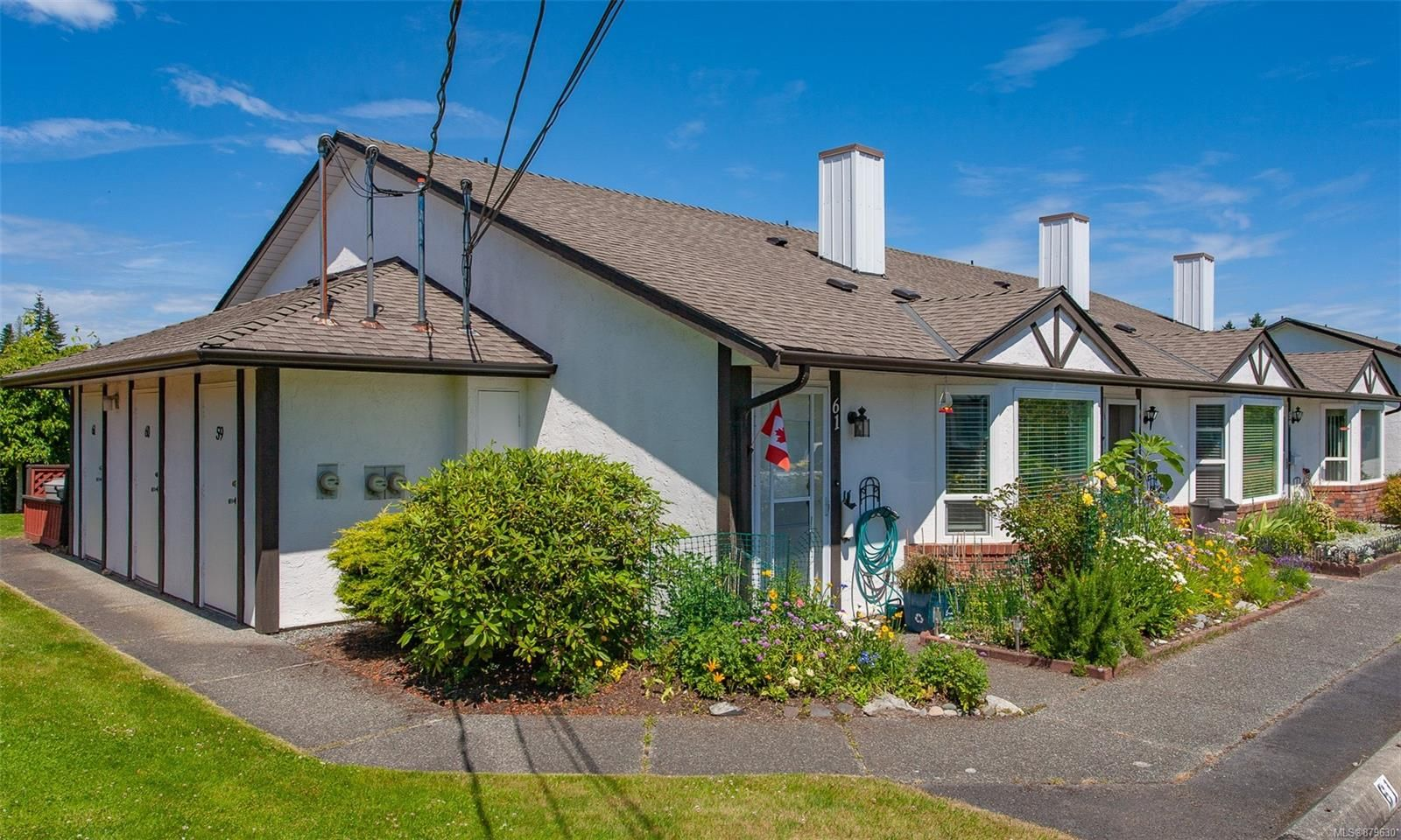 Main Photo: 60 120 N Finholm St in : PQ Parksville Row/Townhouse for sale (Parksville/Qualicum)  : MLS®# 879630
