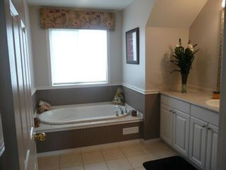 Photo 12: 314 Twin Cities Drive: Longview Residential Detached Single Family for sale : MLS®# C3426477