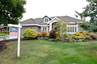 """Photo 2: 13758 21A Avenue in Surrey: Elgin Chantrell House for sale in """"CHANTRELL PARK ESTATES"""" (South Surrey White Rock)  : MLS®# F1422627"""