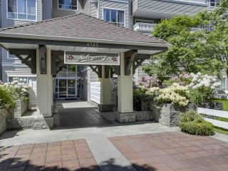 """Photo 2: 404 6745 STATION HILL Court in Burnaby: South Slope Condo for sale in """"SALTSPRING"""" (Burnaby South)  : MLS®# R2272238"""