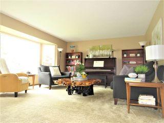 Photo 3: 6482 WILTSHIRE Street in Sardis: Sardis West Vedder Rd House for sale : MLS®# R2389613