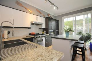 """Photo 3: 146 9133 GOVERNMENT Street in Burnaby: Government Road Townhouse for sale in """"TERRAMOR"""" (Burnaby North)  : MLS®# R2548568"""