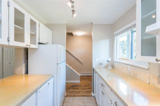 """Photo 5: 853 BLACKSTOCK Road in Port Moody: North Shore Pt Moody Townhouse for sale in """"WOODSIDE VILLAGE"""" : MLS®# R2447031"""