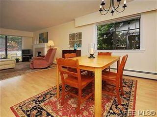 Photo 9: 101 1050 Park Blvd in VICTORIA: Vi Fairfield West Condo for sale (Victoria)  : MLS®# 570311