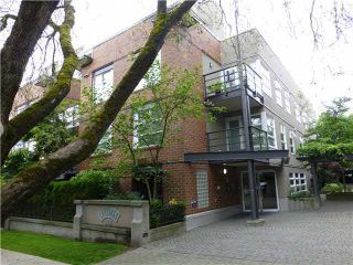 "Photo 1: 303 2181 W 12TH Avenue in Vancouver: Kitsilano Condo for sale in ""THE CARLINGS"" (Vancouver West)  : MLS®# V1072129"