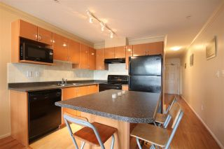 """Photo 2: 306 5629 DUNBAR Street in Vancouver: Dunbar Condo for sale in """"West Pointe"""" (Vancouver West)  : MLS®# R2051886"""