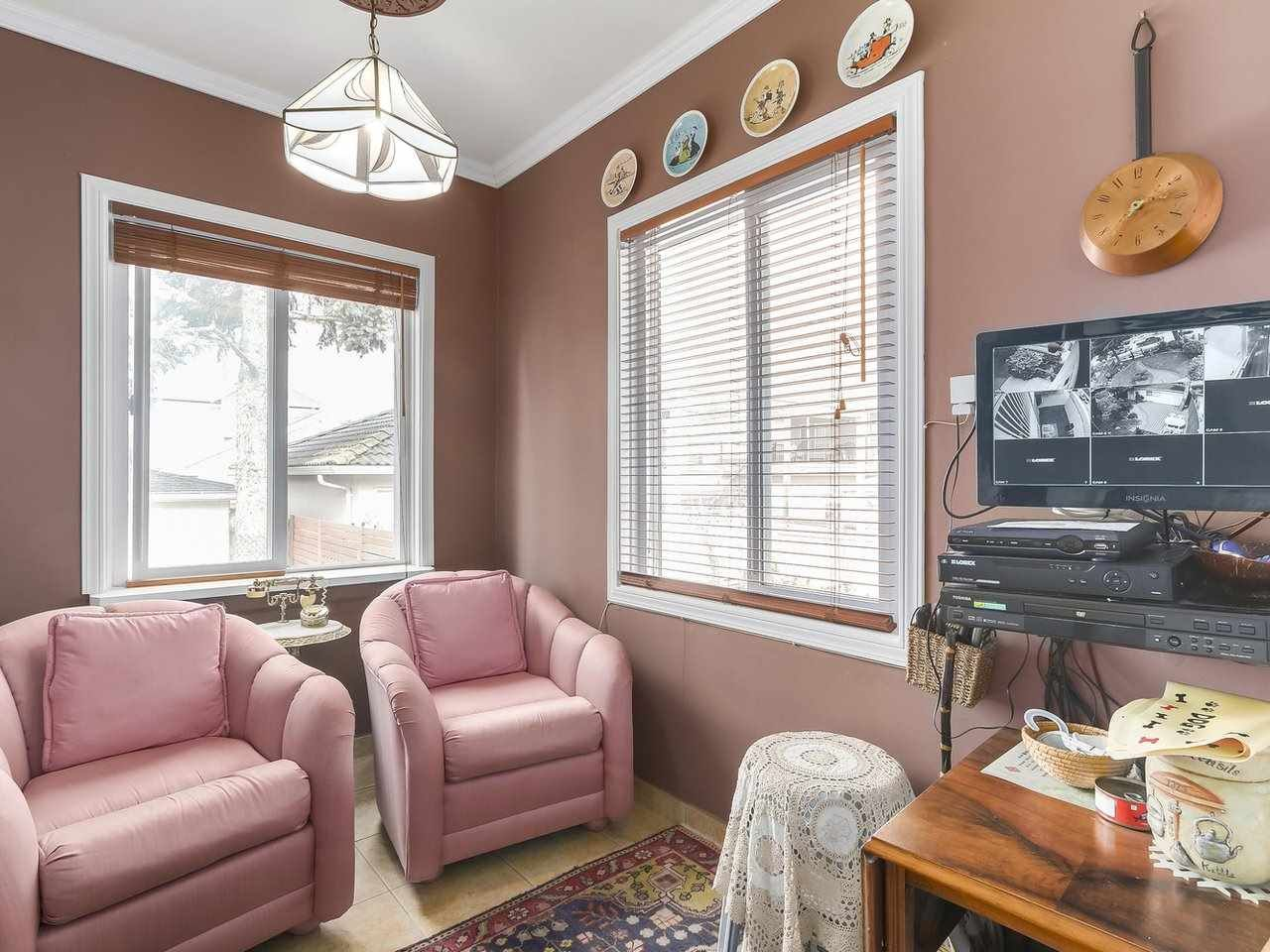 Photo 9: Photos: 165 E 55TH AVENUE in Vancouver: South Vancouver House for sale (Vancouver East)  : MLS®# R2297472