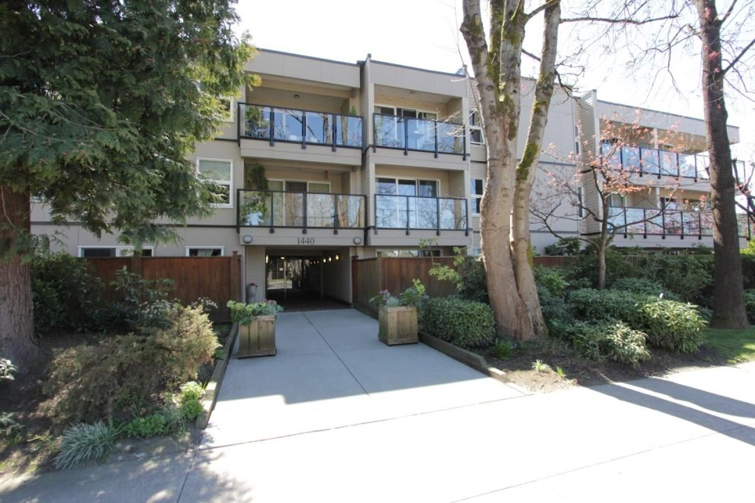 Main Photo: 203 1440 E BROADWAY Street in Vancouver: Grandview Woodland Condo for sale (Vancouver East)  : MLS®# R2568725
