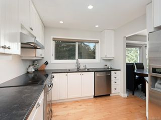 Photo 6: 1 6755 Wallace Dr in : CS Brentwood Bay House for sale (Central Saanich)  : MLS®# 863832
