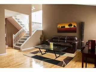 Photo 3: 47 Apex Street in WINNIPEG: Charleswood Residential for sale (South Winnipeg)  : MLS®# 1511231