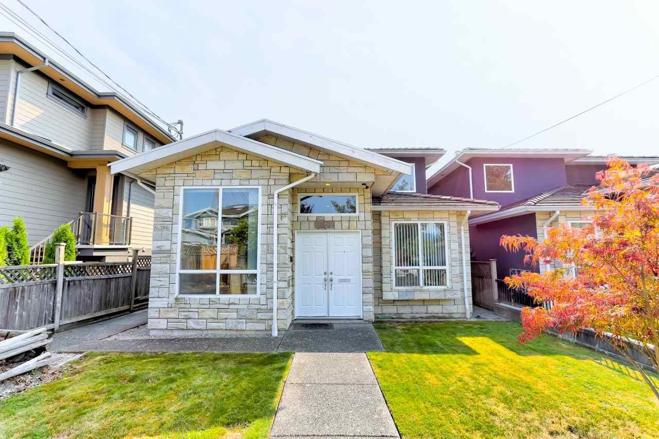 Main Photo: 6162 NAPIER Street in Burnaby: Parkcrest 1/2 Duplex for sale (Burnaby North)  : MLS®# R2495221