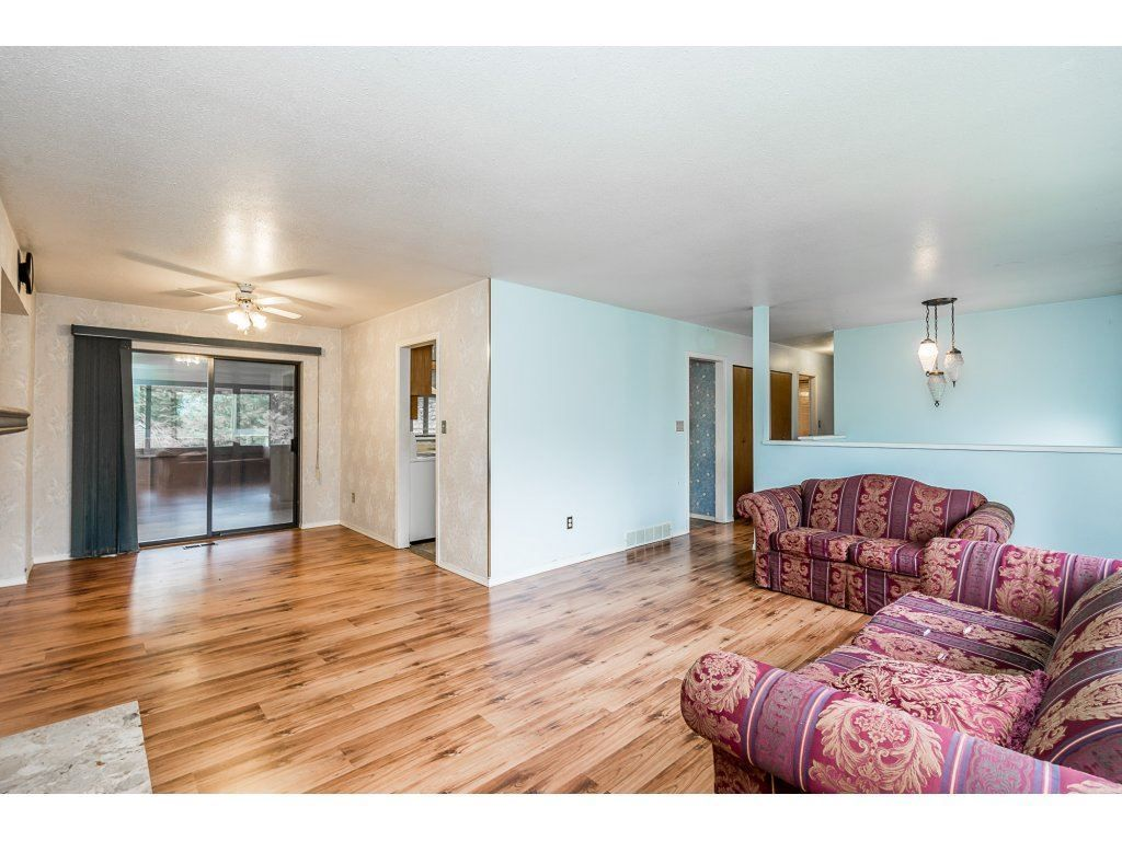 Photo 5: Photos: 2283 MCKENZIE Road in Abbotsford: Central Abbotsford House for sale : MLS®# R2313479
