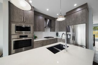 Photo 2: 5031 23 Avenue NW in Calgary: Montgomery Semi Detached for sale : MLS®# A1136708