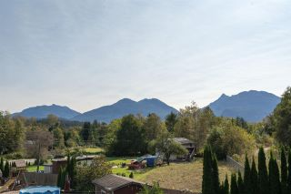 "Photo 26: 3 1589 EAGLE RUN Drive in Squamish: Brackendale House for sale in ""BRACKENDALE"" : MLS®# R2504512"