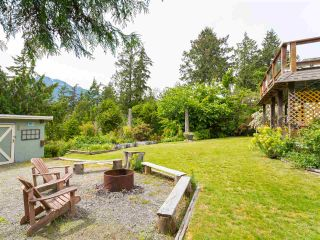 Photo 3: 40471 AYR Drive in Squamish: Garibaldi Highlands House for sale : MLS®# R2074786