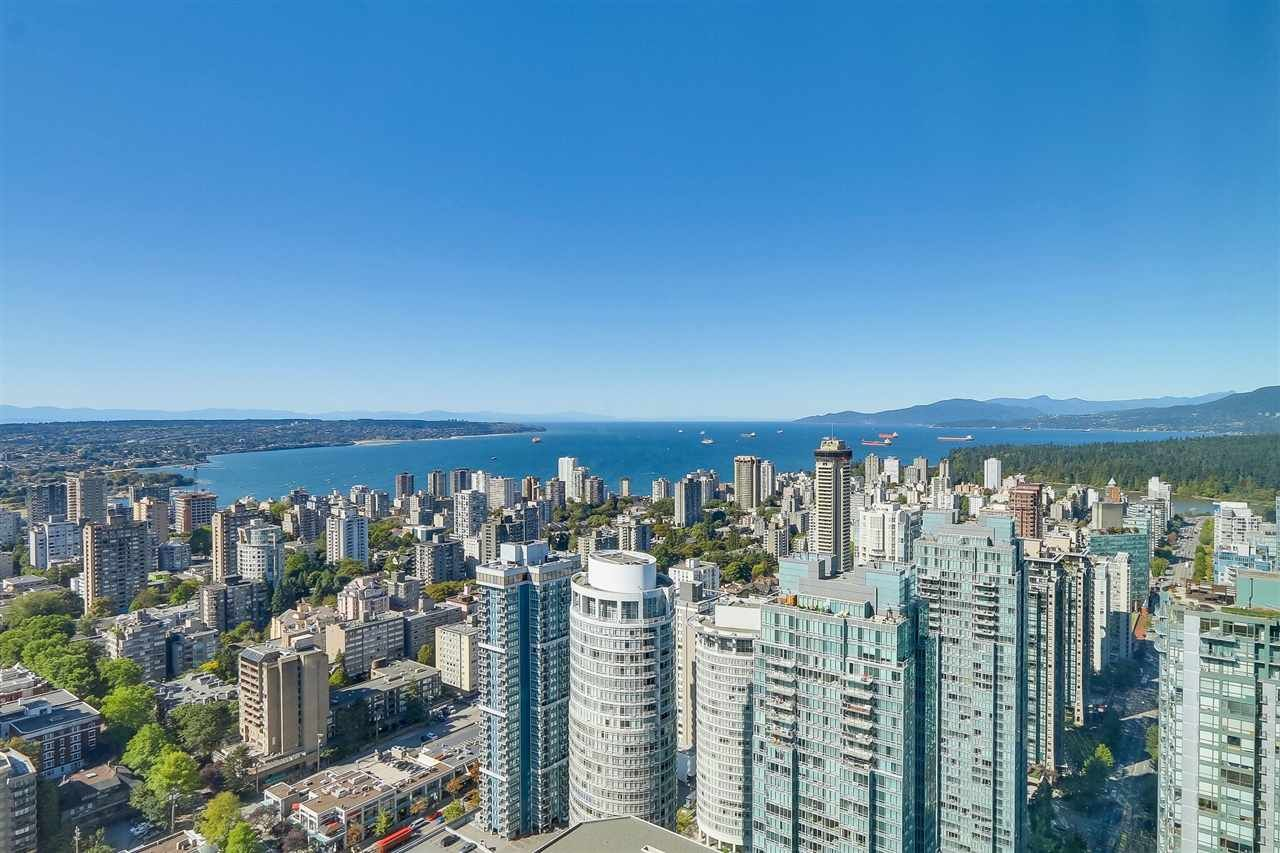 """Main Photo: 5102 1151 W GEORGIA Street in Vancouver: Coal Harbour Condo for sale in """"TRUMP TOWER"""" (Vancouver West)  : MLS®# R2230495"""
