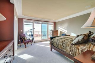 Photo 13: 15118 ROYAL Avenue: White Rock House for sale (South Surrey White Rock)  : MLS®# R2033445