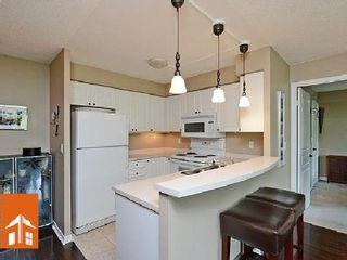Photo 3: 1 2565 Erin Centre Drive in Mississauga: Central Erin Mills Condo for sale : MLS®# W2668734