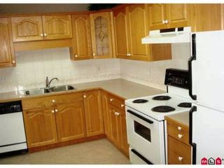 "Photo 3: 305 2626 COUNTESS Street in Abbotsford: Abbotsford West Condo for sale in ""Wedgewood"" : MLS®# F2923199"