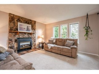 """Photo 5: 2391 WAKEFIELD Drive in Langley: Willoughby Heights House for sale in """"LANGLEY MEADOWS"""" : MLS®# R2577041"""