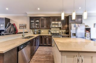 """Photo 4: 5 19938 70TH Avenue in Langley: Willoughby Heights Townhouse for sale in """"summerhill"""" : MLS®# R2329344"""
