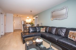"Photo 12: 404 20750 DUNCAN Way in Langley: Langley City Condo for sale in ""FAIRFIELD LANE"" : MLS®# R2564057"