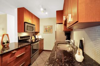 """Photo 6: 313 808 E 8TH Avenue in Vancouver: Mount Pleasant VE Condo for sale in """"Prince Albert Court"""" (Vancouver East)  : MLS®# R2518919"""