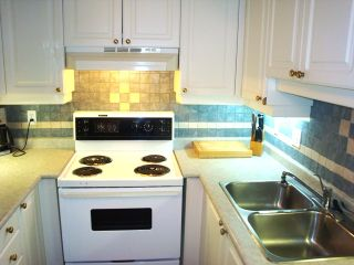 Photo 4: 111 2855 152nd Street in THE TRADEWINDS: Home for sale