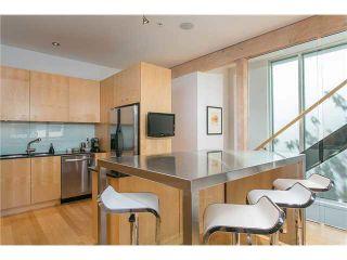 Photo 5: 2115 W 1ST AVENUE in Vancouver: Kitsilano 1/2 Duplex for sale (Vancouver West)  : MLS®# V1142221