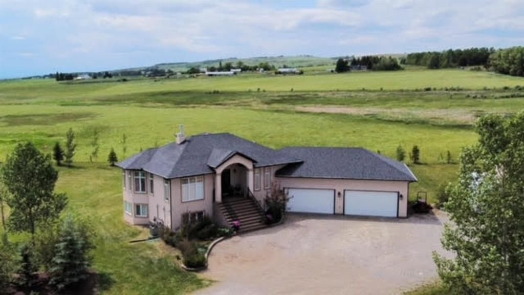 Main Photo: 32018 333 Avenue W: Rural Foothills County Detached for sale : MLS®# A1121869