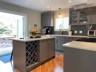 Photo 11: 1695 MACGOWAN Avenue in North Vancouver: Pemberton NV House for sale : MLS®# R2614877