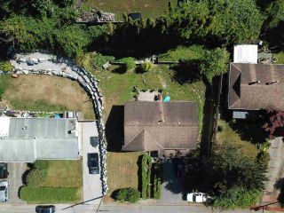 Photo 3: 7920 OSPREY STREET in Mission: Mission BC House for sale : MLS®# R2482190