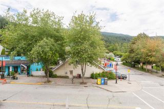"""Photo 27: 102 2181 PANORAMA Drive in North Vancouver: Deep Cove Condo for sale in """"Panorama Place"""" : MLS®# R2496386"""